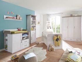 Babyzimmer-Set LUCA 5tlg Wickelkommode Bett Regal Schrank 3 Türen Pinie weiß1